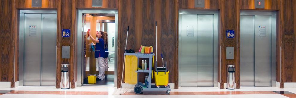 cách vệ sinh thang máy1