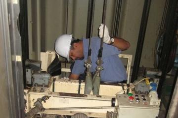 Cải tạo thang máy