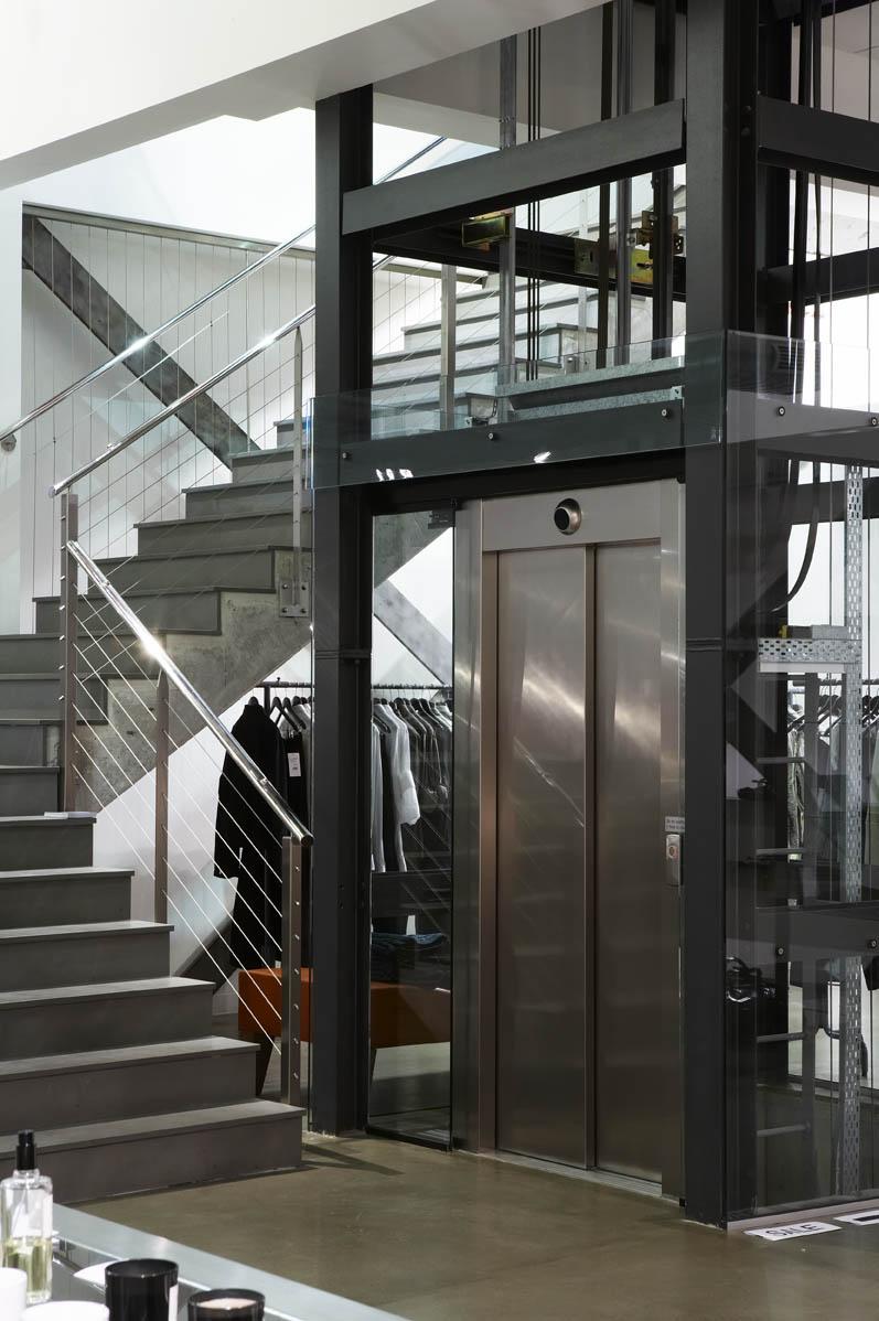 Khung thép thang máy